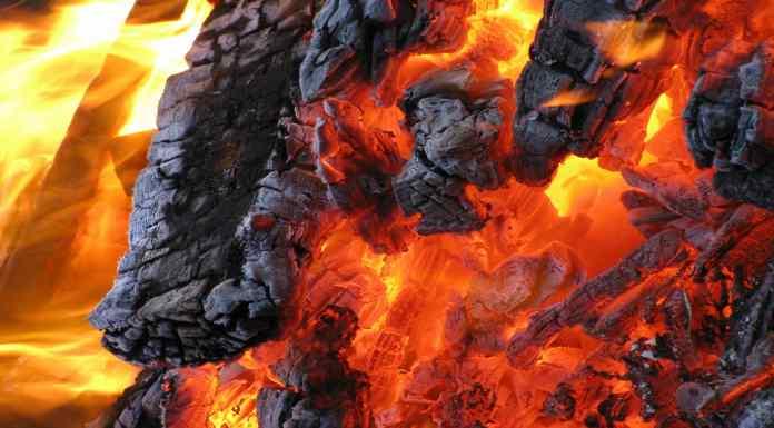 Fuego Fire Agua