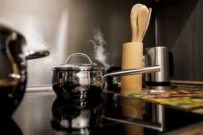 limpiar cocina de inducción