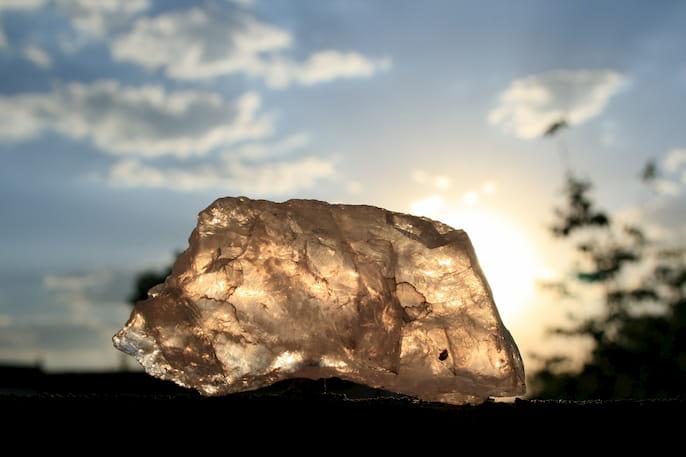 beneficios de la piedra del sol